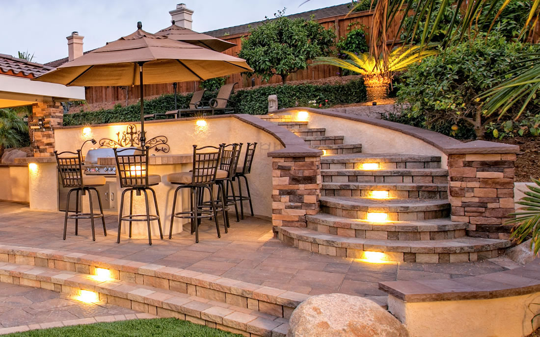 Outdoor Living Spaces With Bbq Island Gallery Of Landscape
