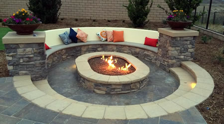 Outdoor Living Areas w Fire Pits
